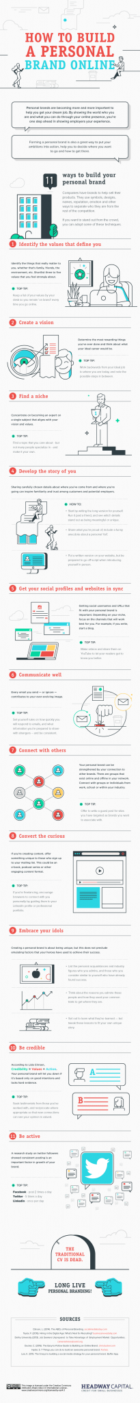 Photo of How to Build a Personal Brand Online [INFOGRAPHIC]